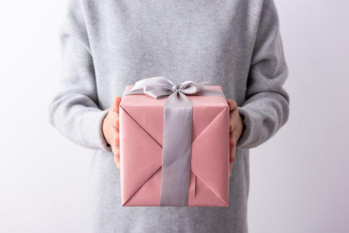 パパ活でパパの誕生日プレゼントは何を贈れば良いか教えてください。